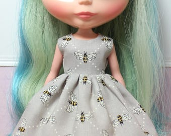 BLYTHE doll Its my party dress - bees on grey