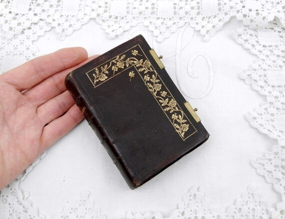 "Antique French Religious ""Paroissien Romain"" Leather Bound Book with Gold Pattern Printed in 1885, French Decor, Mesil Booklet from France"