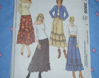 McCalls 3806 Misses Skirts Sewing Pattern - UNCUT - Size Xsm Sml  Med  Gathered ruffled peasant skirt