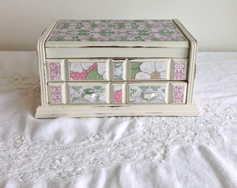 SALE Shabby Chic Pink Green and White Floral Jewelry Box Magnolia Flowers Green
