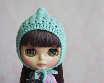 Handmade Crocheted Pixie Hat for Blythe - Acrylic Yarn - Mint 2