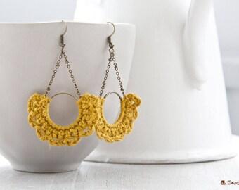 Half-moon Earrings | crocheted | Mustard linen