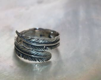 Wonderful Art Handcrafted Oxidized .925 Sterling Silver With Feather Adjustable Ring