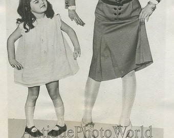 Actress Peggy Shannon w sister dancing antique photo