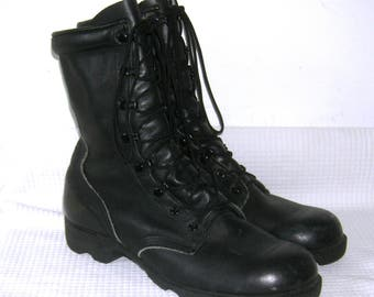 Vintage US ARMY Combat Boots/ Altama Black Leather/ Vulcanized/ Waterproof/ COMBAT/ Military Boots/ Men's 9 1/2 R