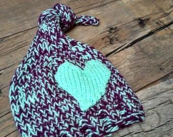 Newborn Valentine's day hat, Valentine's day knotted heart hat, Newborn photo props hat, baby valentines hat, baby girls hat with heart