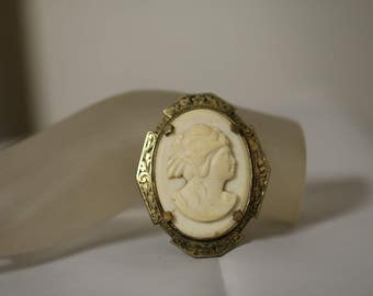 Antique Vintage Art Deco Cameo Pin Brooch Jewelry