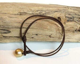 Australian golden pearl on leather. Leather pearl bracelet for woman