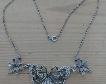 Beautiful vintage marcasite necklace