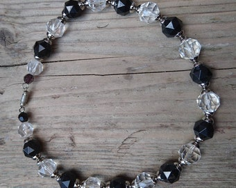 Vintage black and white faceted bead necklace