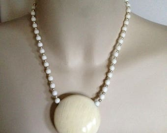 Necklace - cream beaded high quality necklace retro design large pendant feature bead