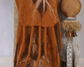 Tribal FEATHER Felt Bag for your Rattle made in Merino Wool // Silk Fibers // Fringes / Adjustable