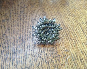 Vintage large sterling flower ring , size 7.5