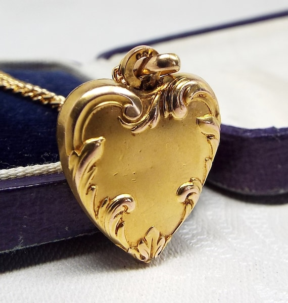 Antique Art Nouveau 18ct Gold Plated Beautiful Puffy Love Heart Pendant Necklace