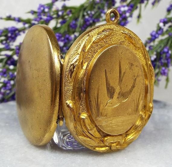 Antique Victorian Aesthetic Large Gold Pinchbeck Engraved Swallow Bird Locket Necklace
