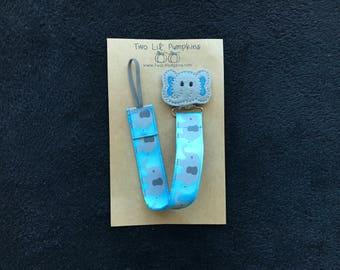 Elephant Pacifier Clip, Blue Baby Boy Pacifier Clip, Baby Blue Elephant Binky Clip, Baby Blue Toy Clip, Elephant Feltie Paci Clip