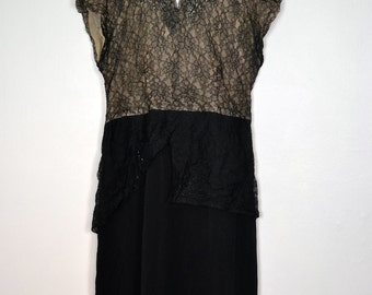 Vintage 1920s antique long dress lace and muslin decorated with pearls