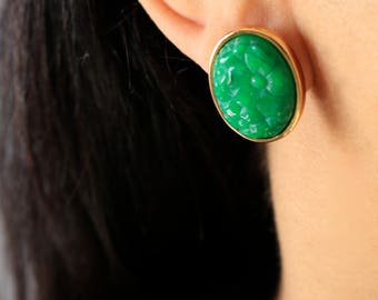 Green Floral Earrings - Oval gold Earrings - Green Flower Stud Earrings