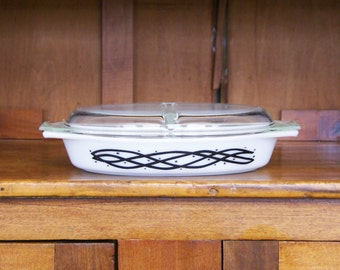 Pyrex Cinderella Oval Divided Serving Dish With Cover ~  1-1/2 Qt. ~ Barbed Wire Pattern ~ 1958 ~ Bakeware ~ Serving Ware