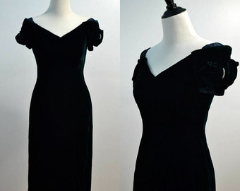 Vintage 80s Green Velvet Formal Gown / Party Prom Dress / Emerald Green / Off the Shoulder / Rhinestone Accents / 1980s vtg / Small S Medium