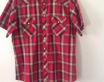 Vintage  Wrangler Western Shirt Men's Cowboy Style Red Plaid, Short Sleeve Shirt with Pearl Snaps by Wrangler Western Shirt Size L