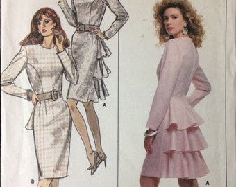 Butterick 5923 - 1980s Easy Knee Length Dress with Back Ruffle Options - Size 6 8 10