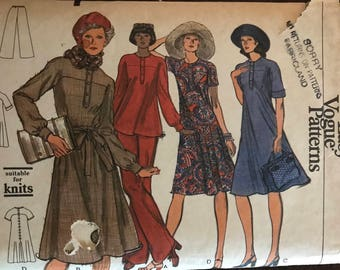 Vogue 9097 - 1970s Yokes Tent Dress or Tunic with Button Front Placket - Size 12 Bust 34