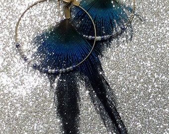Creole earrings pearls and feathers blue-black