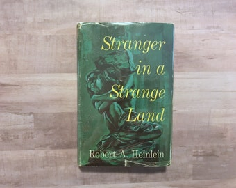 Stranger In A Strange Land - Robert Heinlein - Vintage Book - BCE - G. P. Putnam - 1961 - Science Fiction - Fantasy Classic Book Book Lover