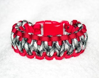 Urban Survival Gear, Paracord Bracelet, Adventure Bracelet, Hiking Accessories, Gift for Him, Outdoor Adventure, Mens Gift, Braided Bracelet