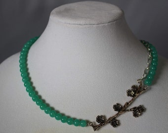Green branch stylish necklace