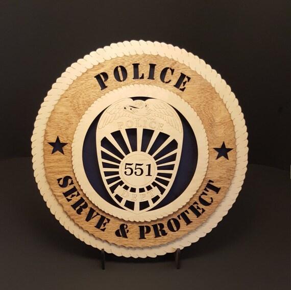 policier 3d rond plaque murale en merisier massif 11 5. Black Bedroom Furniture Sets. Home Design Ideas