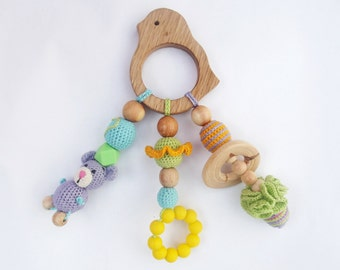 Crochet teether on a clip Wooden crochet teething toy New mom gift Eco friendly toys Natural toy Silicone teether Rattle toy Easter sale