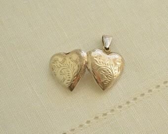 Vintage Hand Engraved Sterling SILVER Heart Photo Locket PENDANT, Vintage Photo Locket, Silver Photo Locket, Heart Pendant