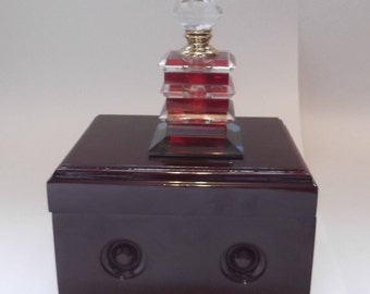 Crystal perfume bottle in Deluxe wooden storage chest