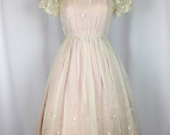 Vintage 1950's Soft Pink and Ivory Floral Lace Party Prom Dress. Small