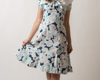 Vintage Collared White Navy Blue And Turquoise Floral Dress (Size Small)