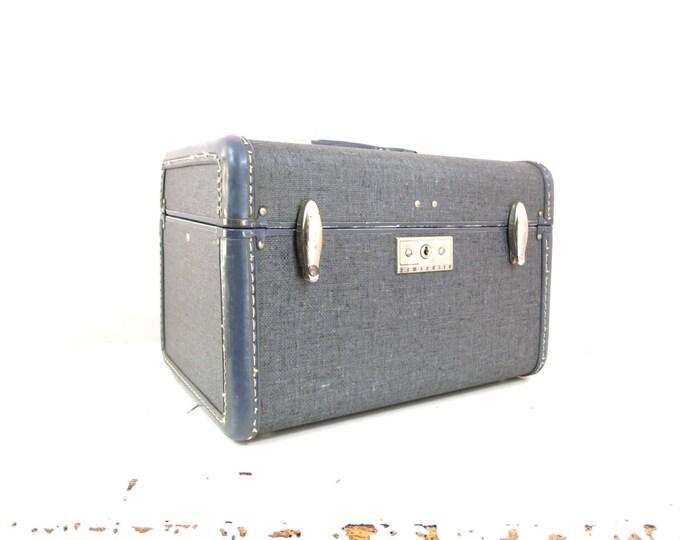 1940s Samsonite Gray Tweed Train Case with Key