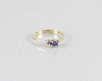 14k Yellow Gold Purple and White CZ Ring Size 7 1/2