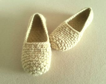 Chunky crochet flats - Yellow Womens Slippers, House Slippers, Womens Gift, Crochet Slippers, thick comfortable simple handmade slippers
