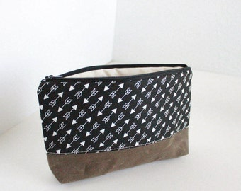 small makeup cosmetic pouch - black white arrows