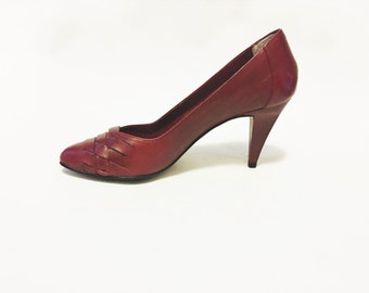 Classic Red Leather Woven Pumps Size 7 - Vintage Oxblood 1970's Heels