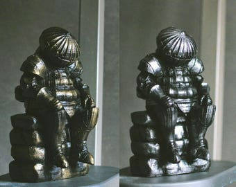 Dark Souls Siegmeyer of Catarina Statue Aged Bronze/Silver Stylization