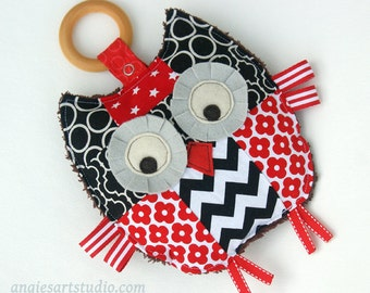 Baby Toy, Patchwork Owl, Crinkle Toy, Organic Wood Teething Ring, Baby Girl Gift, Black White Red
