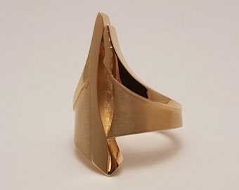 14 karat gold ring with extraordinary design. Ring in artsy style made by Cober.