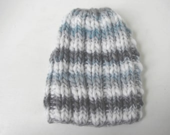 Chunky knit hat, gray blue white kids hat size 2 till 5 yrs, warm comfortable hat knit in the round no seams, multicolor thick and thin yarn