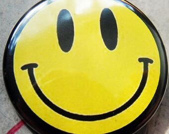 CLASSIC SMILEY FACE   pinback buttons badges pack!