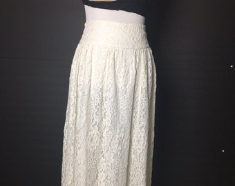 1980s White lace skirt, high waist, midi length, lined skirt, Jessica McClintock, vintage lace skirt, size medium