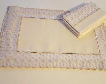 Vintage Placemat and Napkin Set Pale Yellow Set of 4