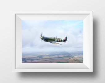 Spitfire / Battle of Britain / Royal Air Force / RAF / Fighter / WW2 / Flight / British / Wall Art / Print